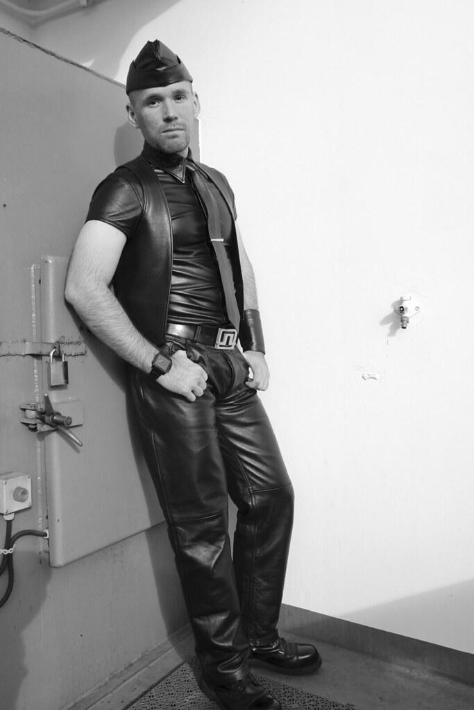 läder underkläder free gay