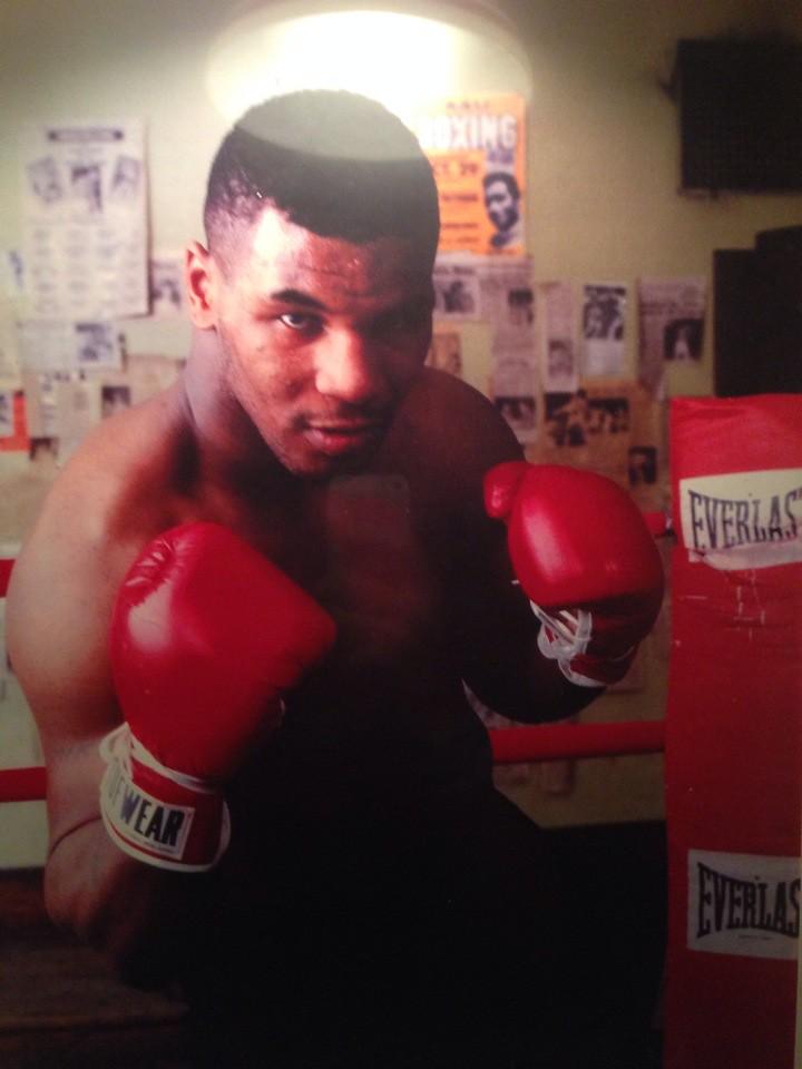 История: Mike Tyson става най-младия боксов шампион в тежката категория