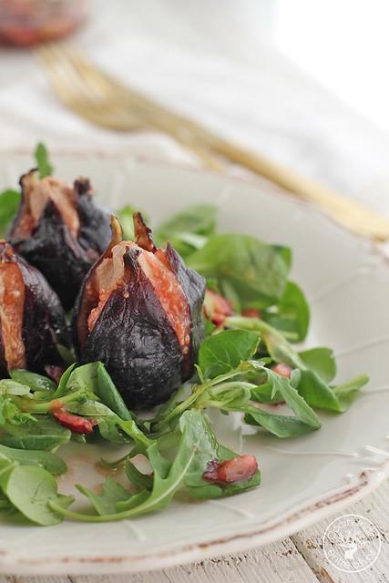 Ensalada de brevas rellenas de foie con vinagreta de picotas del Jerte (1)