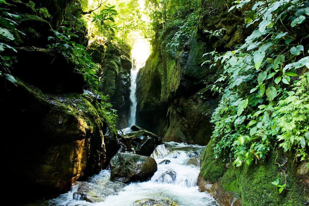 To the Pendung Semurup Waterfalls