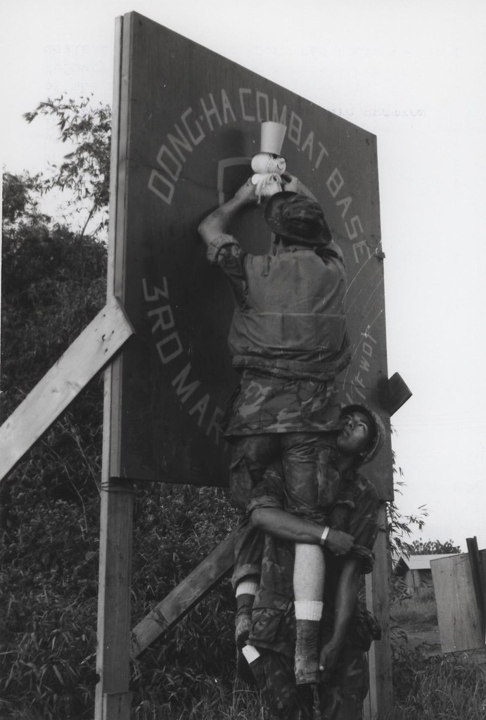 Marines Decorate For Christmas Dong Ha Vietnam 1968
