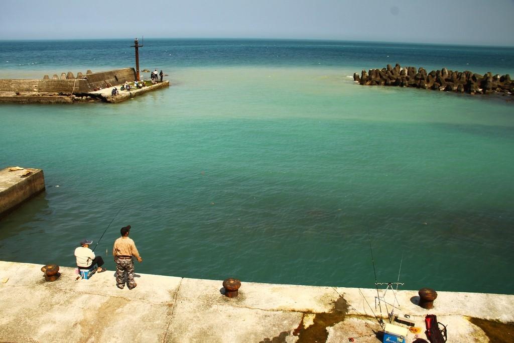 現今漁業沒落,漁港不再停泊漁船,反成釣客釣場