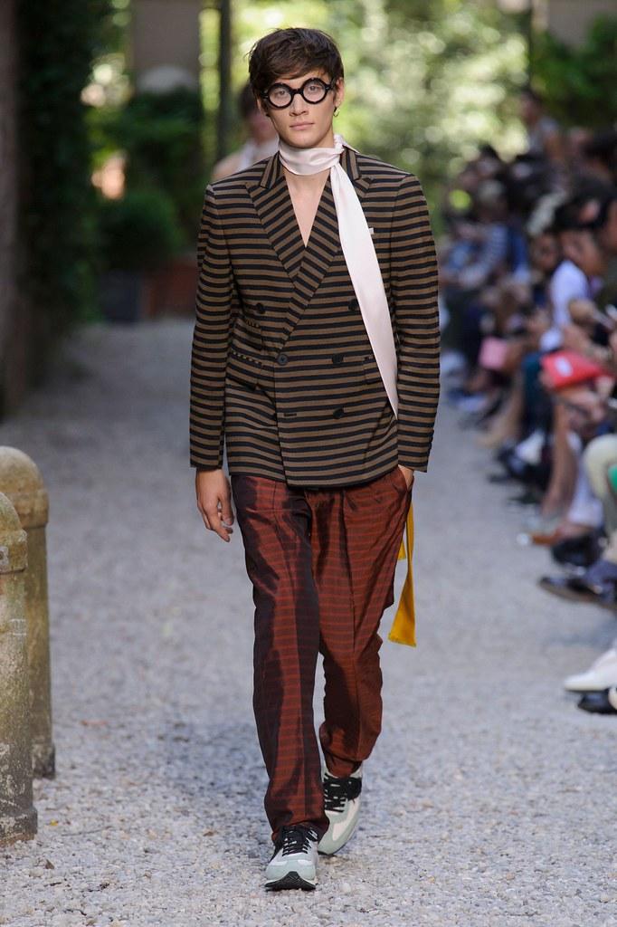 SS16 Milan Andrea Pompilio025_Timur Simakov(fashionising.com)