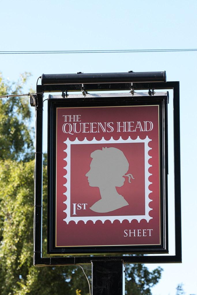 queens head pub sign sheet hampshire uk david seall flickr. Black Bedroom Furniture Sets. Home Design Ideas