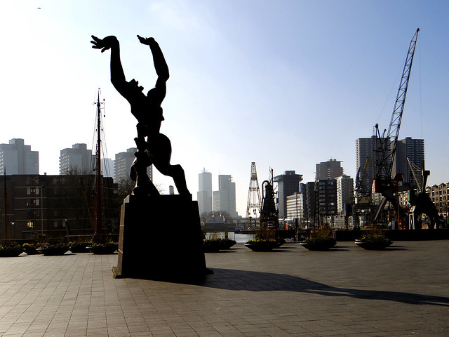 De Verwoeste Stad - standbeeld - Zadkine