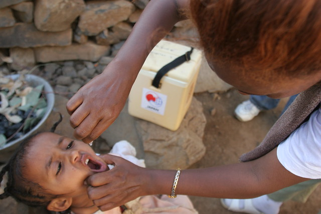 Health Extension Worker administers Polio Vaccination