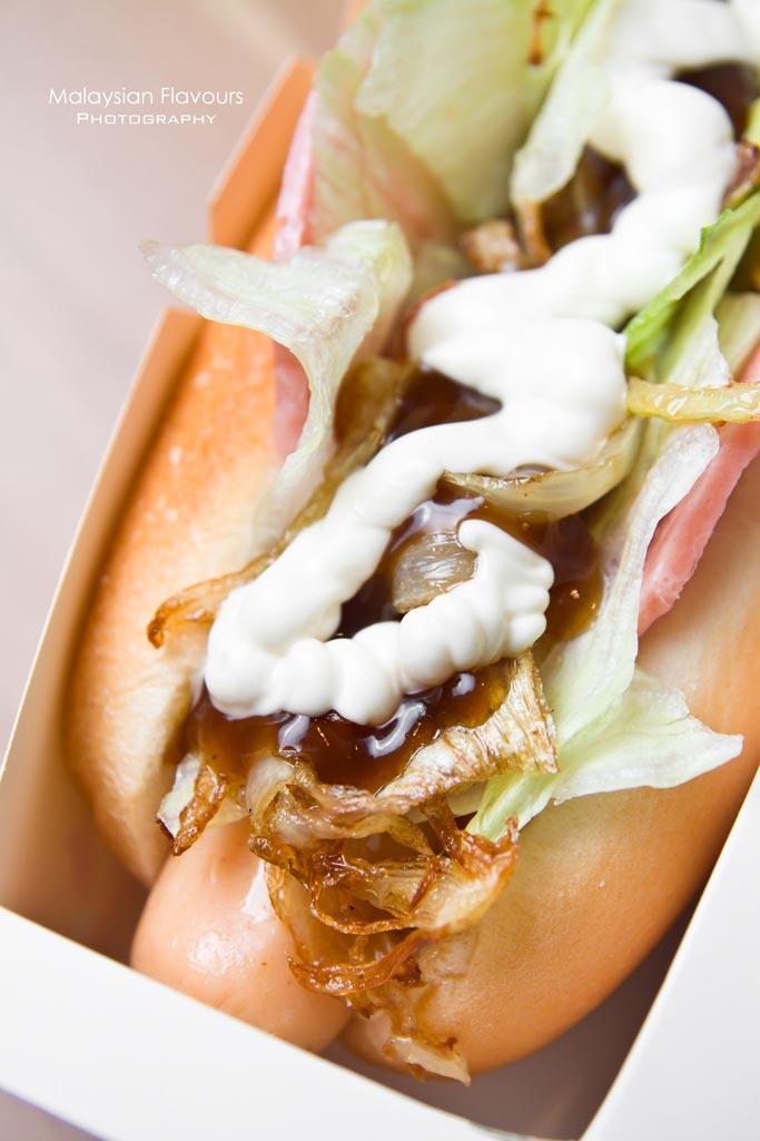 burger-king-malaysia-ninja-black-charcoal-bun-burgers