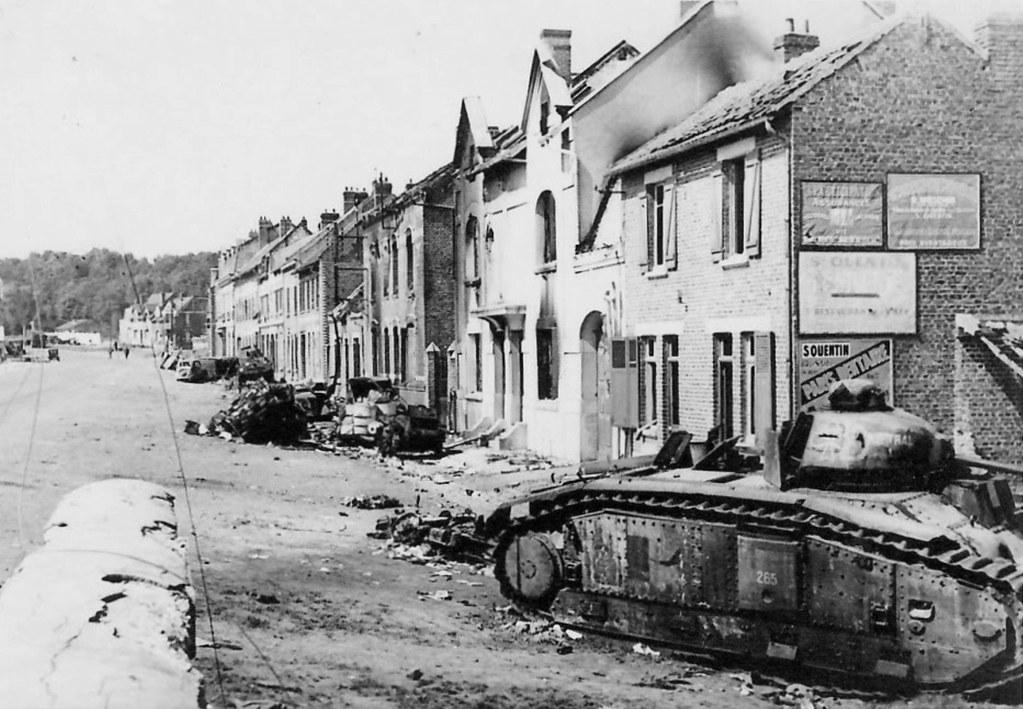 1940 france le catelet carcasse du char fran231ais b1bi
