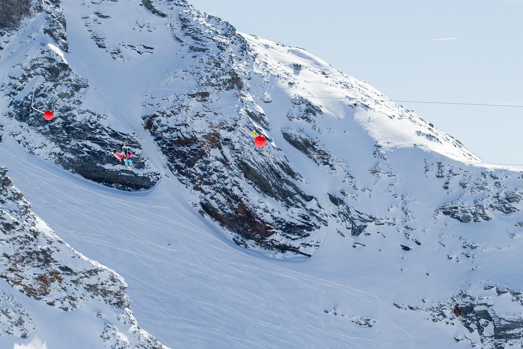 Tyrolienne c cattin ot val thorens 004 office de tourisme de val thorens flickr - Office de tourisme val thorens ...