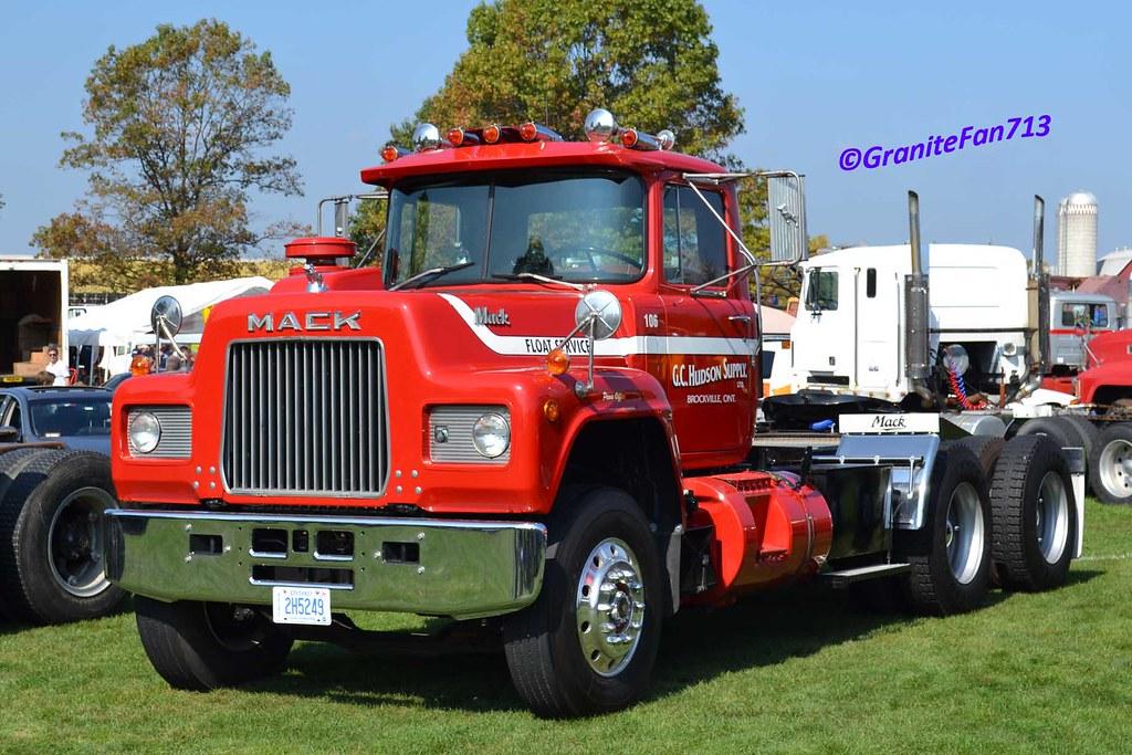 R Model Mack Show Truck : R model mack trucks hot girls wallpaper