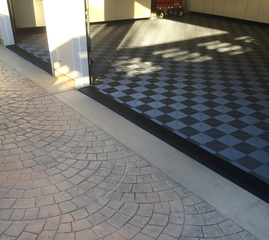 Garage With Tile Flooring Amp Black Diamond Plate Transition