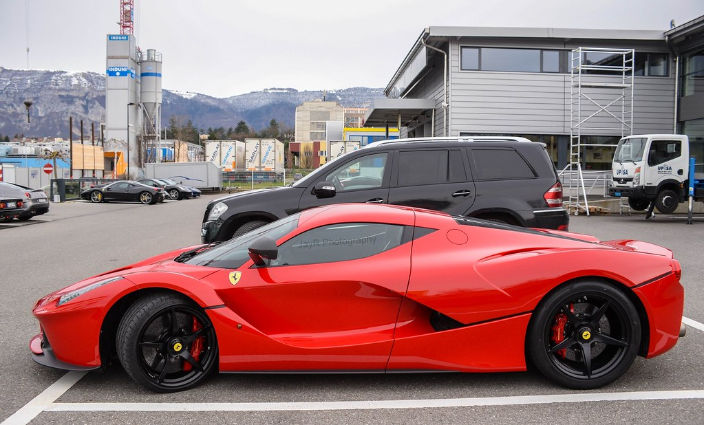 Ferrari LaFerrari.   Looking good without the black roof ...