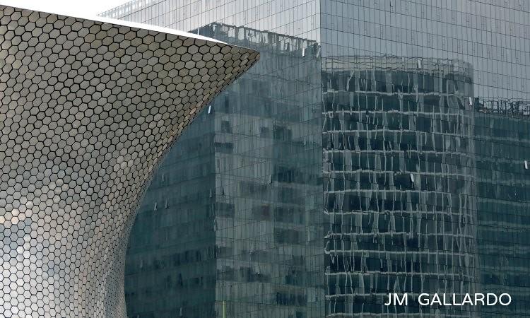 Edificios modernos mexico df el primero a la izquierda for Comedores modernos mexico df