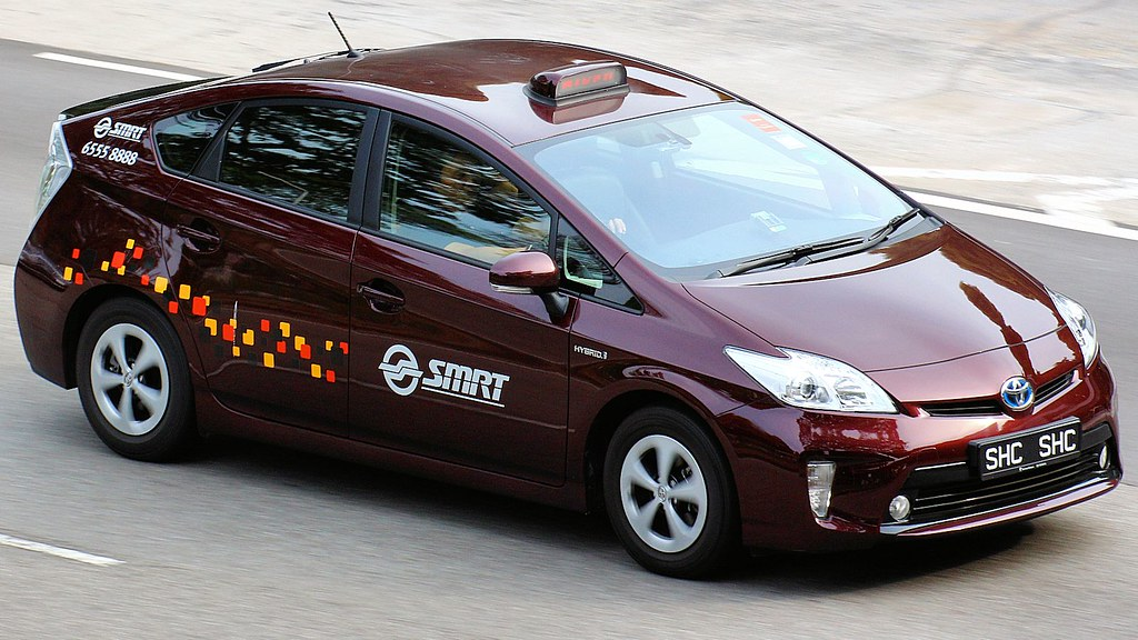 New Toyota Prius >> Cars Motor | Toyota Prius Hybrid | Taxi with new livery ...