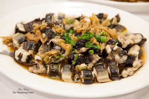 Steamed eel with black bean sauce and Tianjin preserved vegetable (冬菜)