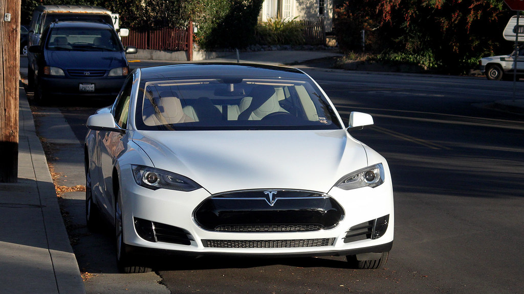 Tesla Model S Tamron Sp 35 80 W 2x Tele Electric Car