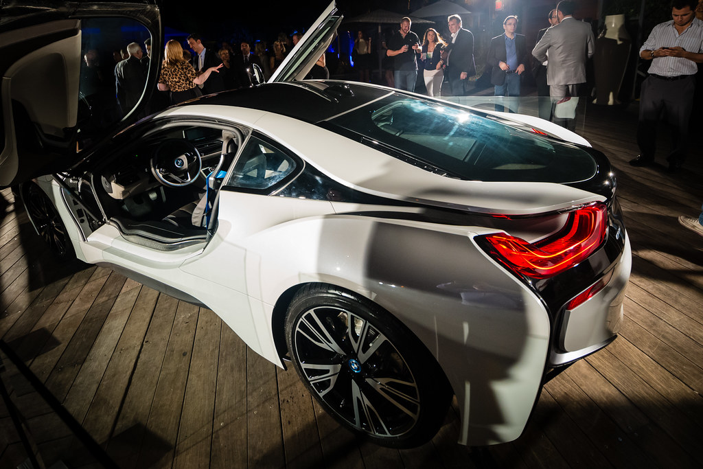 BMW i8 Doors Open | A shot of the BMW i8 with its ...