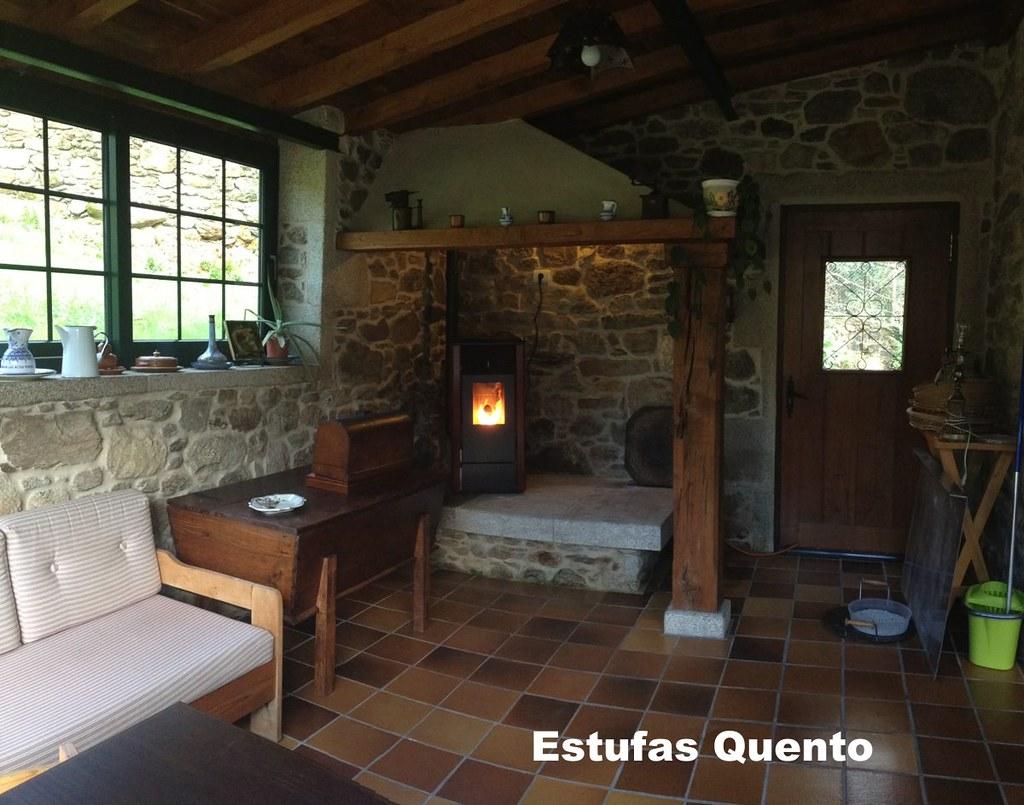 Estufa pellet r 70 en lareira gallega for Estufa lena empotrada