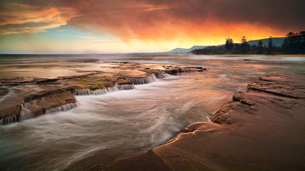 Little Austinmer Beach Wollongong Bushfires Cause So