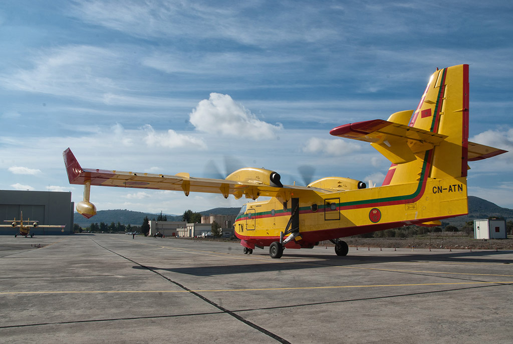Bombardier CL-415 - Page 6 32746983131_81ef3c2bd2_o