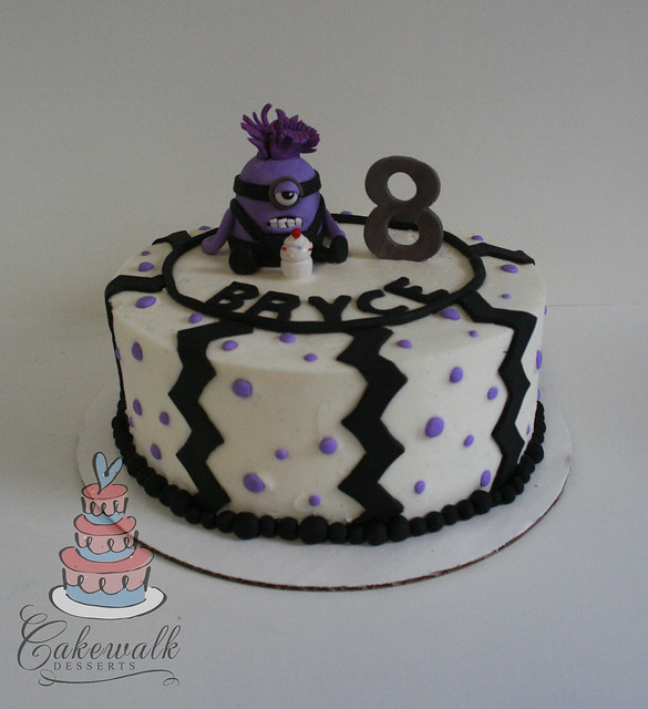 DISPICABLE ME PURPLE MINION CAKE | Flickr - Photo Sharing!
