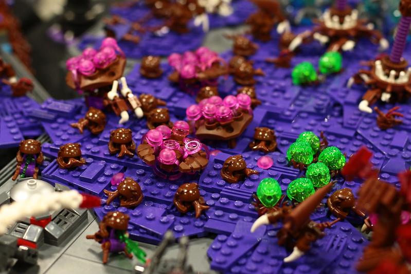 Massive LEGO Starcraft II MOC 19250138551_ec69f18814_c