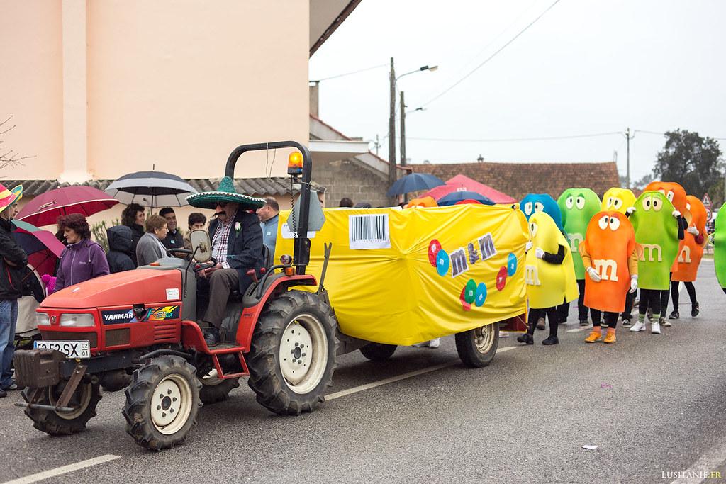 m&m's n'a pas besoin de sponsoriser le Carnaval, les gens adorent se déguiser comme ça!