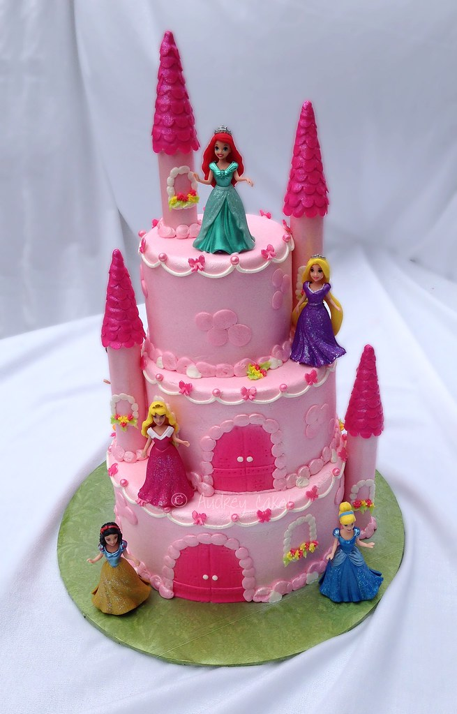 disney princess cake disney princess castle cake this castle cake is fit for 3567