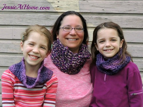 Twilight-Infinity-Cowls-free-crochet-pattern-by-Jessie-At-Home-2