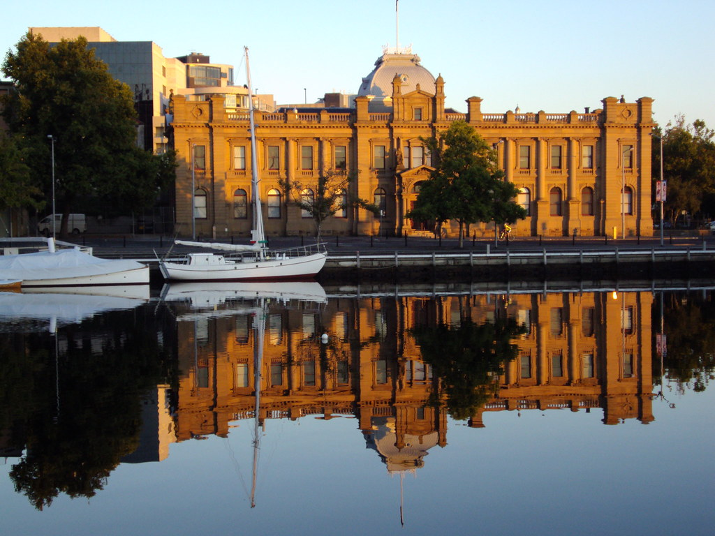 hobart old customs house reflected in the waters of the d. Black Bedroom Furniture Sets. Home Design Ideas