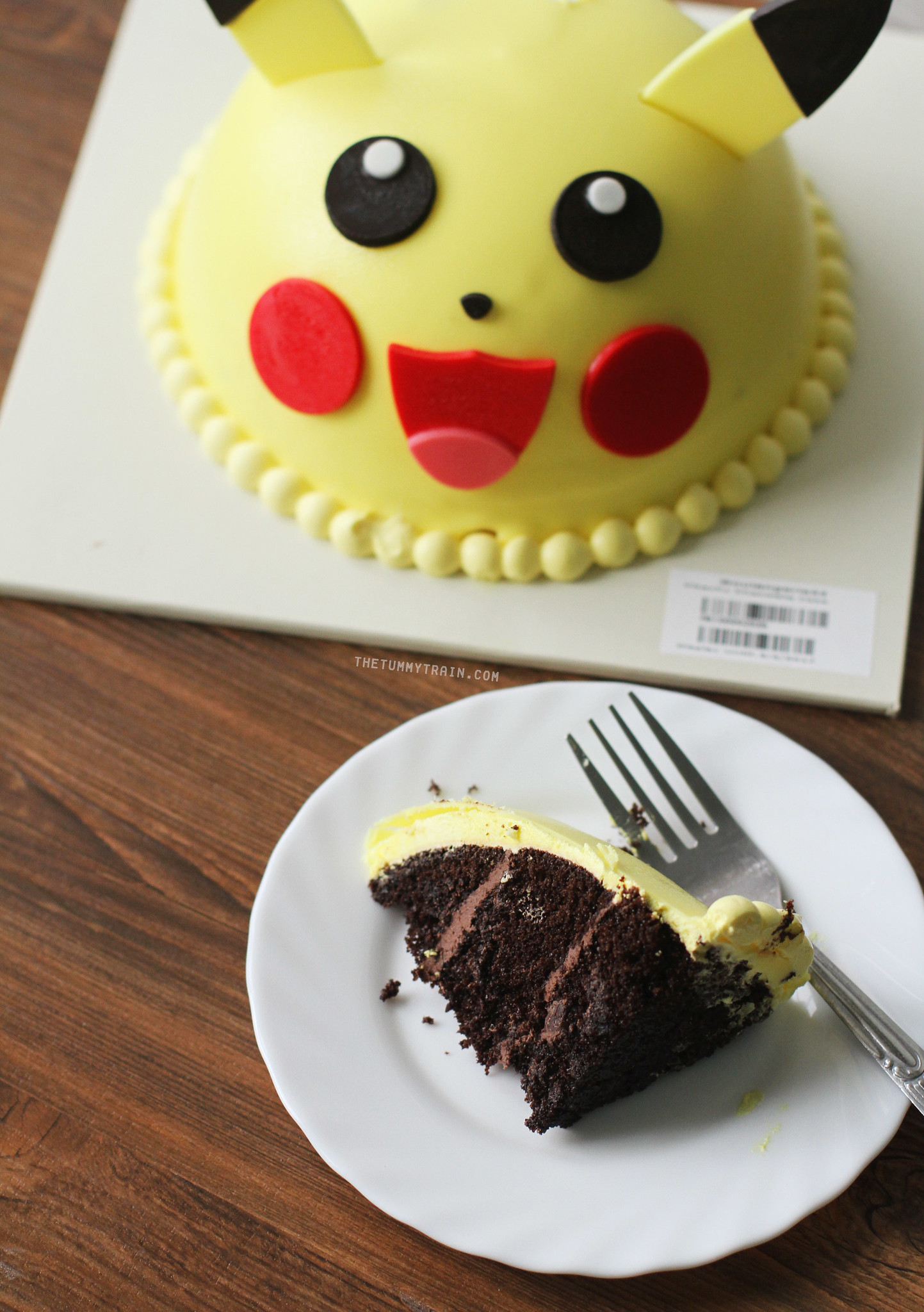 33177227941 95c5ec4cde k - Fuel your Pokemon Go craze with Boulangerie22 Pokemon Cakes