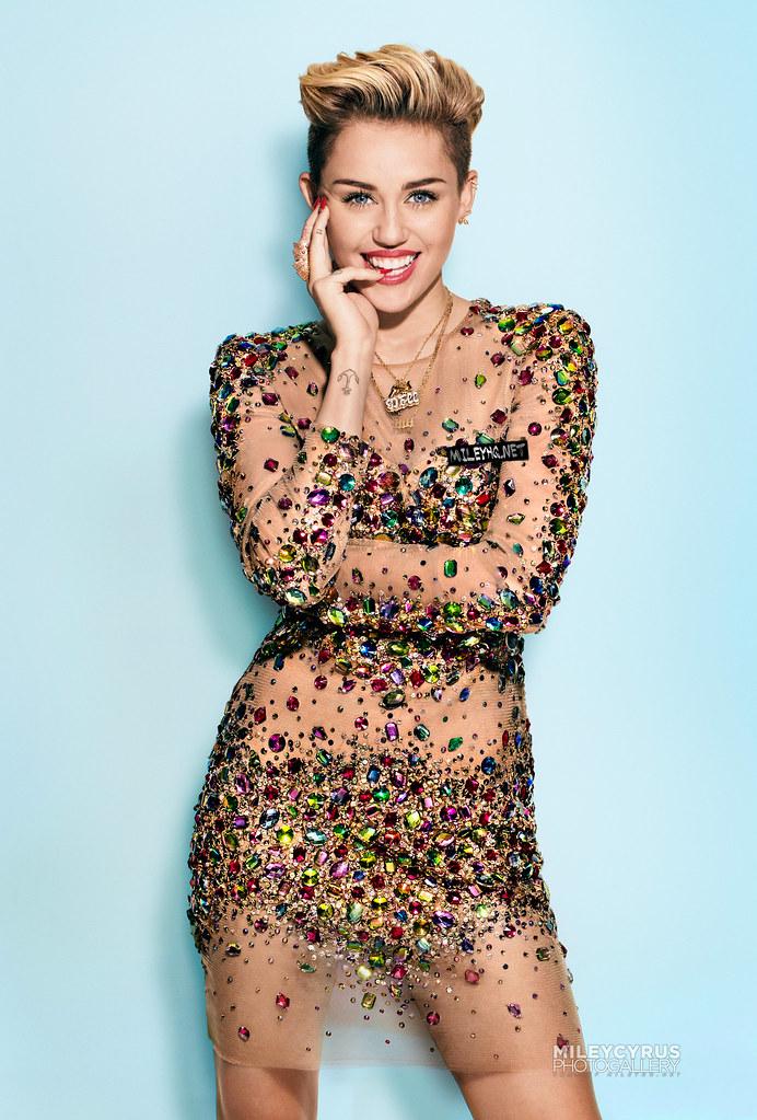 Miley Cyrus - 2013 Cosmopolitan (September) | Miley Cyrus ...