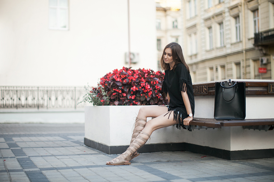 gladiator-sandals-trend-beige-fashion-blog-outfit-streetstyle