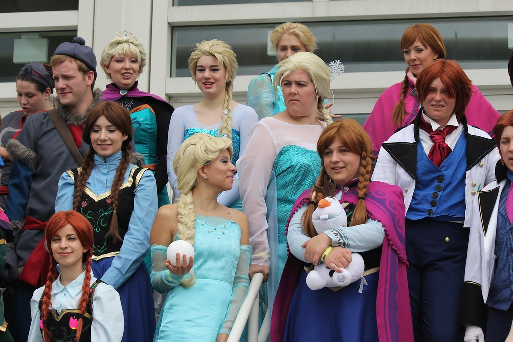 Disney cosplay meet-up group photo at MegaCon 2014 | Flickr