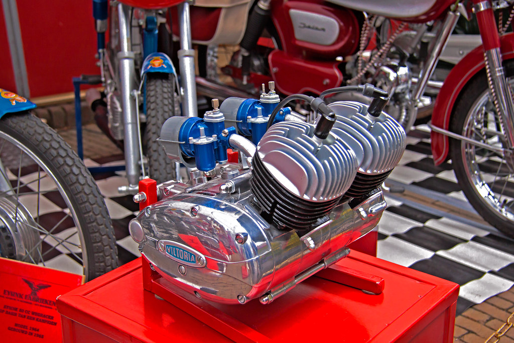 Victoria Twin Cylinder Motorcycle Engine (5991)