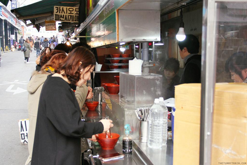 33188328180 a7c5818409 b - Seoul-ful Spring 2016: A quick morning run to Namdaemun Market