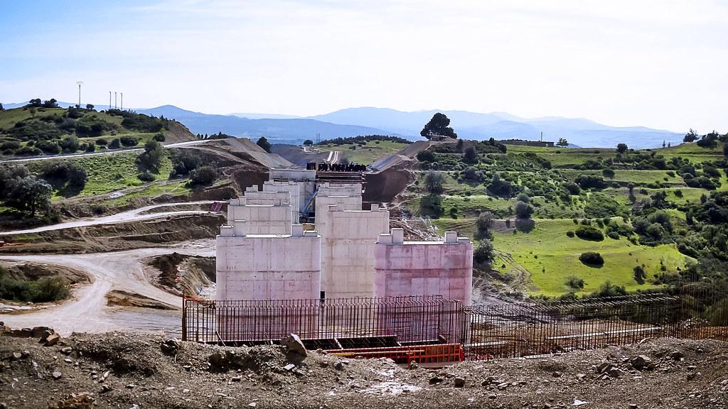 مشاريع المنشأت القاعدية بالجزائر 33342125612_77a19c7b52_b