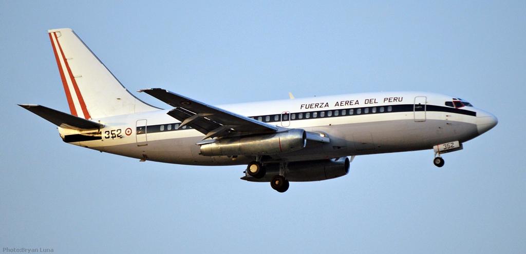 Boeing 737-200 8975830788_7ae3518261_b