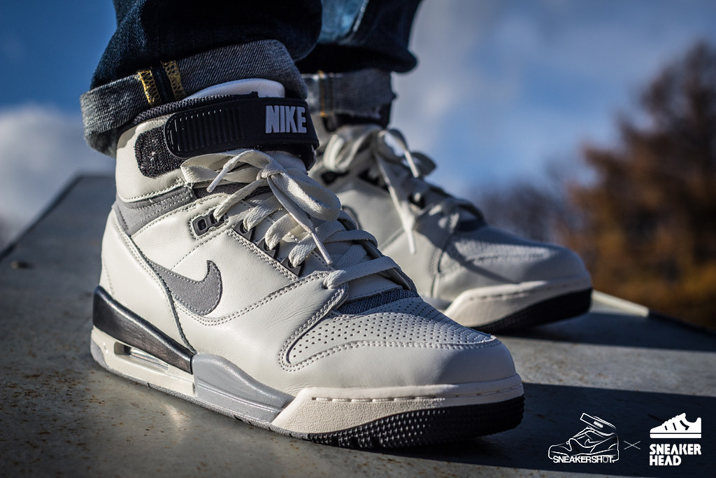 nike air revolution qs