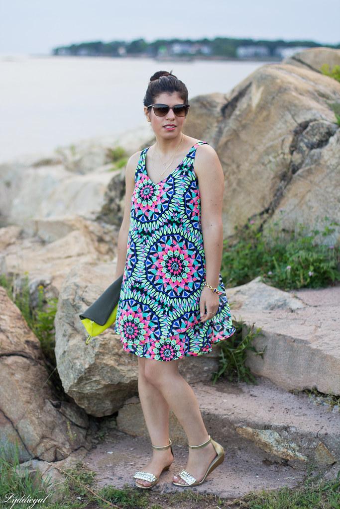 kalediscope print shift dress, color block clutch-3.jpg