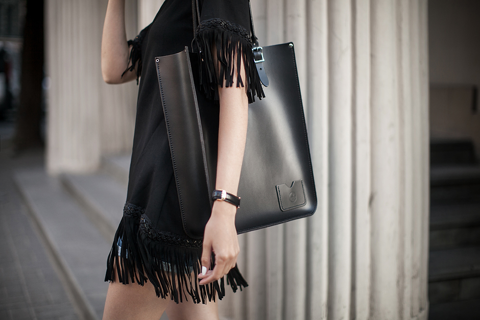 black-fringe-dress-outfit-ideas