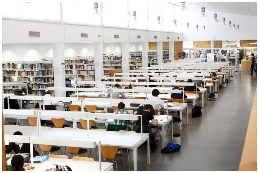 Biblioteca de la f de econom a y empresa para so flickr - Empresas temporales zaragoza ...