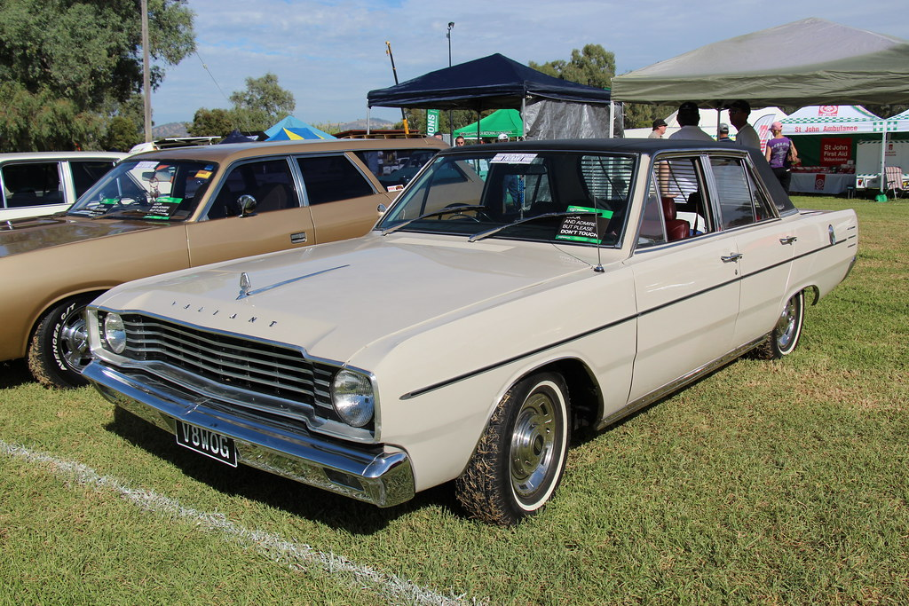 1968 Chrysler Valiant VE VIP Sedan | Alabaster. The VE Valia… | Flickr