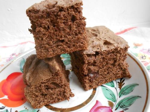 Шоколадный бисквит с шоколадной крошкой | Хорошо.Громко.