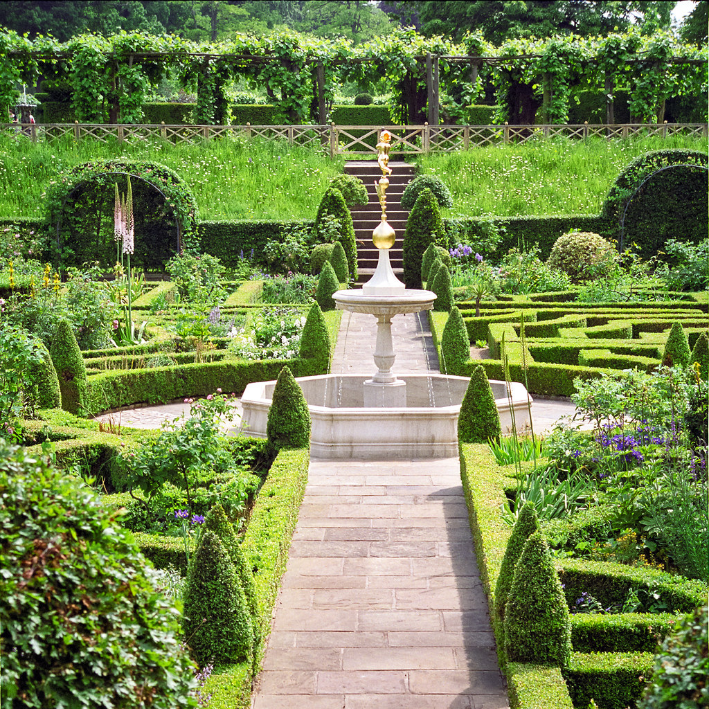 Beautiful Home Gardens Designs Ideas: Water In English Gardens (15 Of 33)