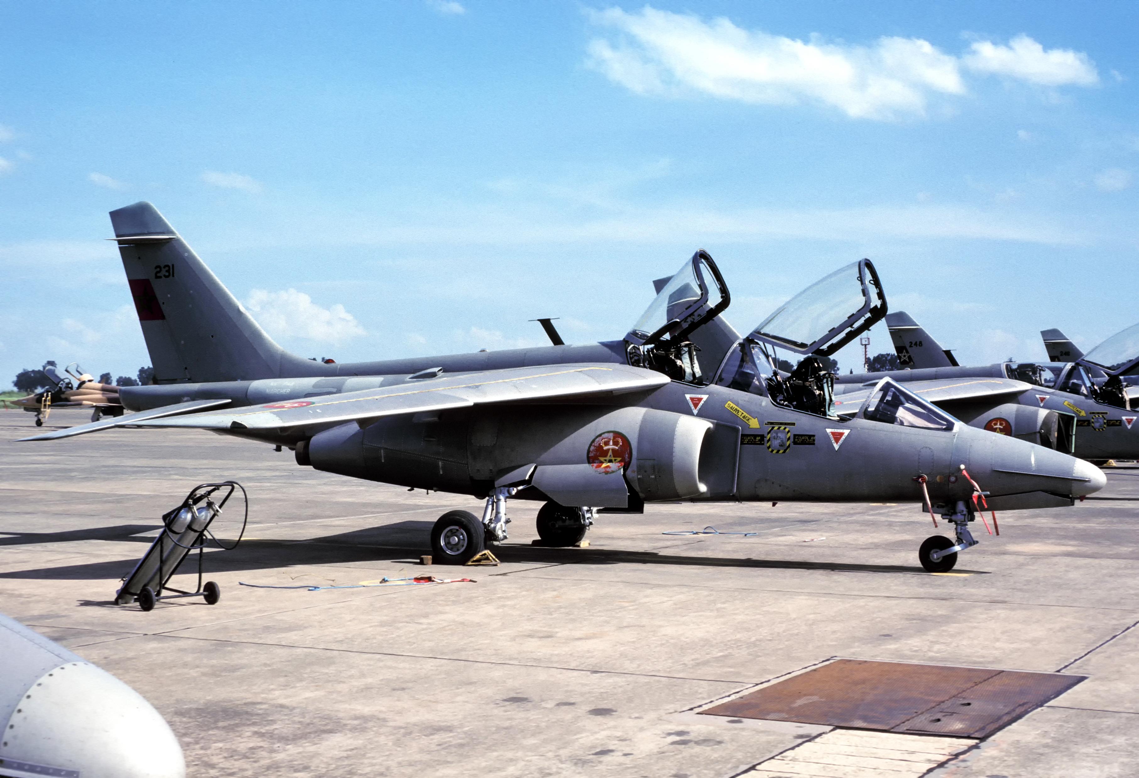FRA: Photos avions d'entrainement et anti insurrection - Page 9 32571617293_db7e29de9f_o