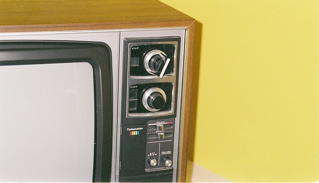 vhf or uhf changing channels on old analogue tv channel