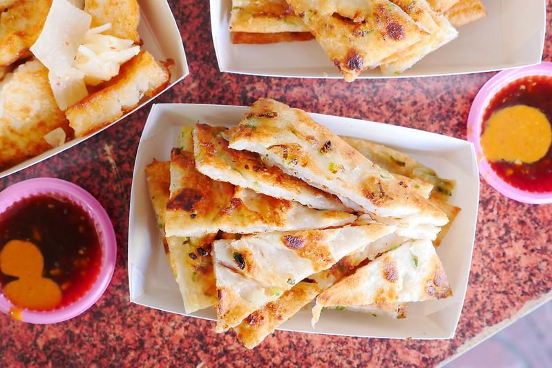 33250155545 ce7c768a0d c - 正宗傳統蔥油餅│台中最愛吃蔥油餅 薄酥蔥多嚼勁份量都十足超推薦!