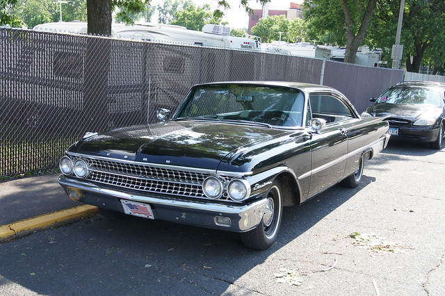 61 Ford Galaxie Starliner