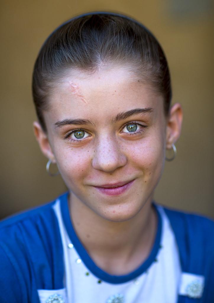 Beautiful Young Kurdish Girl With Blue Eyes Palangan Ira